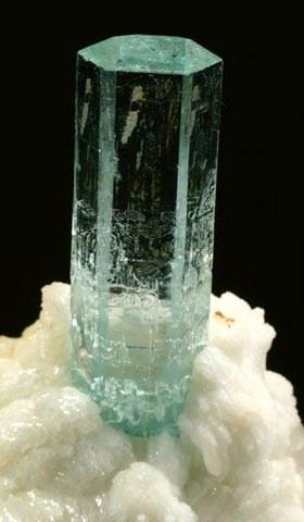 【三月誕生石】 Aquamarine海藍寶
