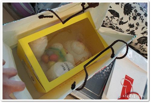 【GODIVA復活節彩蛋巧克力】小貝貝的第一隻Easter Bunny