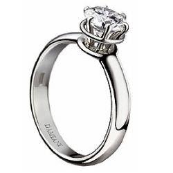 Trilogy Ring–三顆鑽石的求婚戒